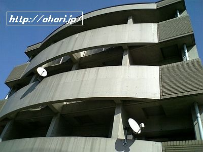 下北沢 賃貸 マンション デザイナーズ 外壁コンクリート打放 内装白大理石調床 オートロック 最上階角 写真1-2