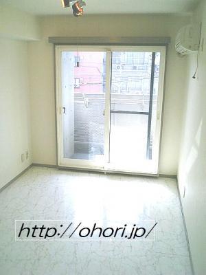 下北沢 賃貸 マンション デザイナーズ 外壁コンクリート打放 内装白大理石調床 オートロック 最上階角 写真5-1