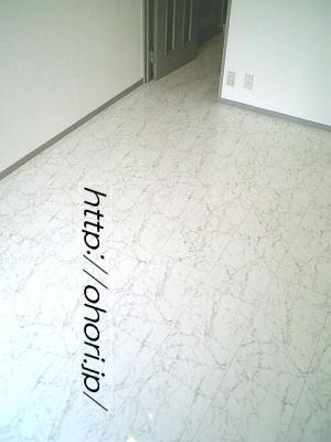 下北沢 賃貸 マンション デザイナーズ 外壁コンクリート打放 内装白大理石調床 オートロック 最上階角 写真6-2