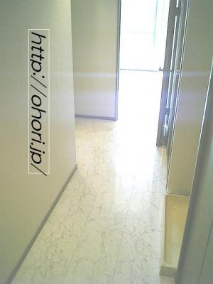 下北沢 賃貸 マンション デザイナーズ 外壁コンクリート打放 内装白大理石調床 オートロック 最上階角 写真7-2
