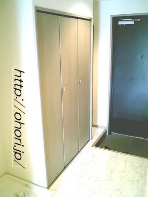 下北沢 賃貸 マンション デザイナーズ 外壁コンクリート打放 内装白大理石調床 オートロック 最上階角 写真10-1