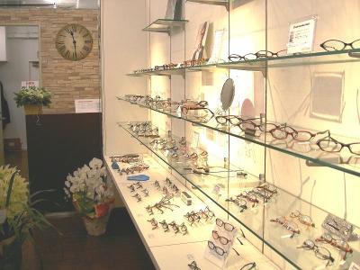 下北沢 クールビーンズ 時計 メガネ セレクトショップ 店内写真 ネガネ アイウェア その2