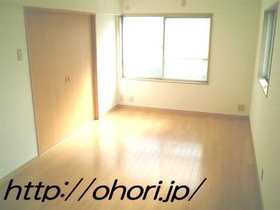 下北沢 賃貸 マンション 3階 1LDK 南西角三面採光 水周り・建具ほか室内新品の内装 写真2-2