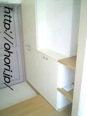 下北沢 賃貸 マンション 3階 1LDK 南西角三面採光 水周り・建具ほか室内新品の内装 写真9-1