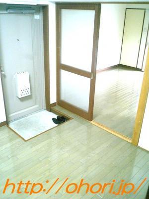 下北沢 賃貸 マンション 2DK 振分間取 各室収納 エアコン2基 バス・トイレ別 ガス2口可 専用庭・テラス南向 写真3-2