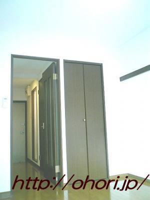 下北沢 賃貸 マンション 1K 2階 バルコニー南向 陽当良好 オートロック タイル貼 風呂トイレ別 写真9-2