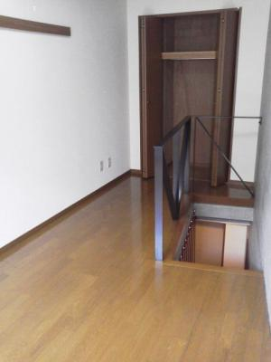 下北沢 賃貸 マンション デザイナーズ メゾネット 1DK 2階居室 コンクリート打放内装 オートロック 物件写真4-1