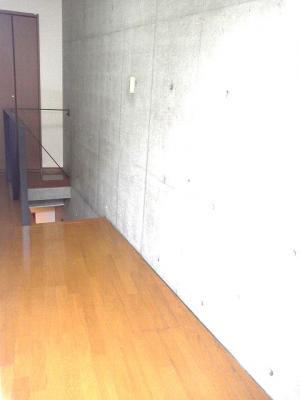 下北沢 賃貸 マンション デザイナーズ メゾネット 1DK 2階居室 コンクリート打放内装 オートロック 物件写真5-1