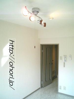 下北沢 賃貸 マンション デザイナーズ 4階 コンクリート打放 オートロック エレベーター 白大理石調床 写真2-3