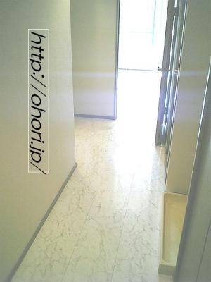 下北沢 賃貸 マンション デザイナーズ 4階 コンクリート打放 オートロック エレベーター 白大理石調床 写真5-2