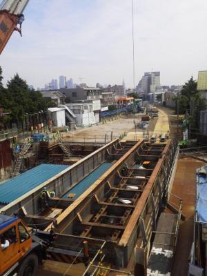 下北沢駅ホーム地下化にともなう周辺工事の様子 201.06.03